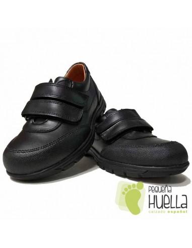 7f1650acf6e Comprar Zapatos Colegiales de niños puntera reforzada Yowas en Madrid