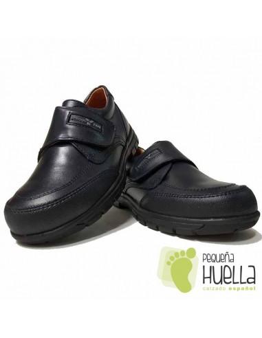 Zapato colegial velcro azul marino o negro YOWAS 11
