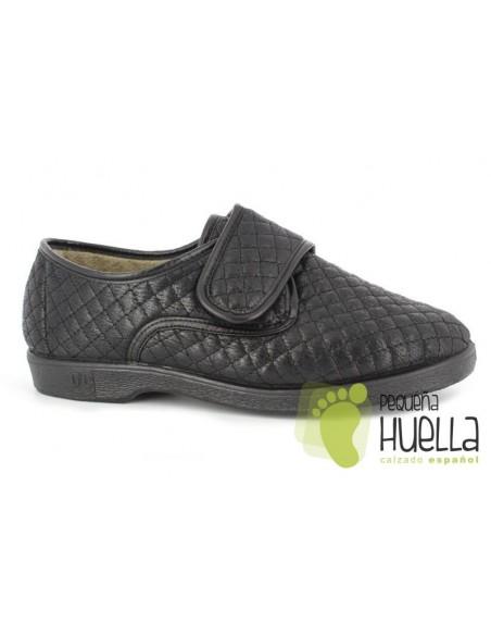 Zapatillas negras señora cómodas Doctor Cutillas 573