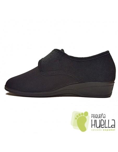 Zapatillas negras para mujer de Licra Doctor Cutillas 761