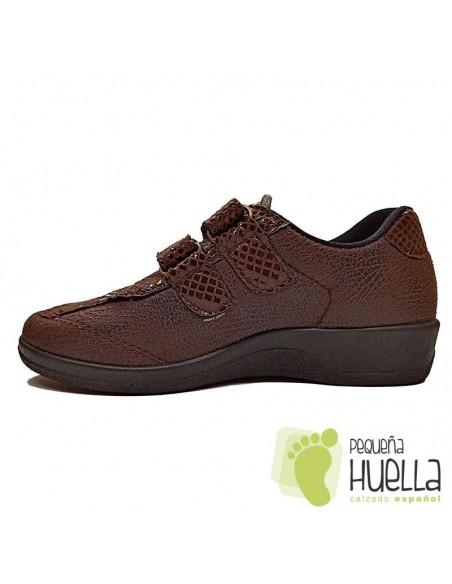 Zapatos marrones anatómicos para señora con Velcro, La Percla 477