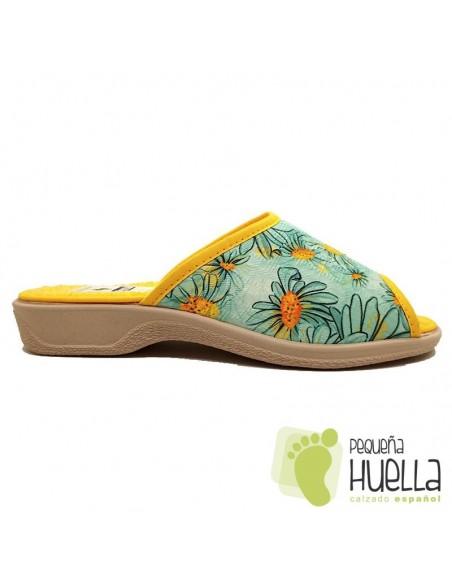 Zapatillas casa con flores de mujer / PERCLA