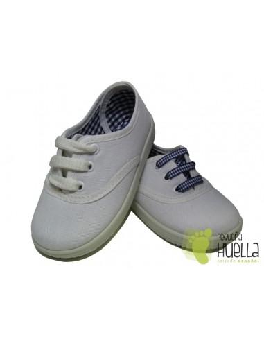 Zapatillas  Con Cordones Tipo Victoria, Blancas