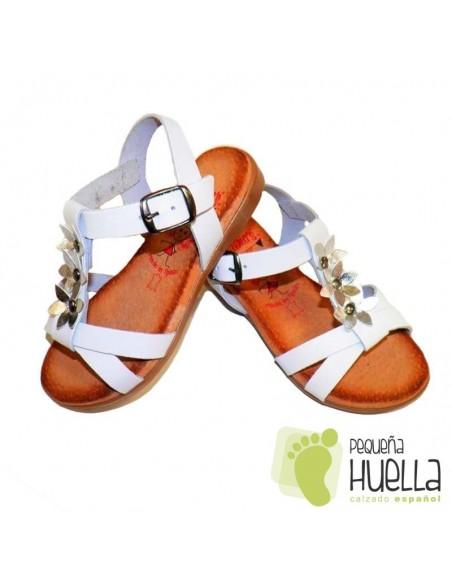 Sandalias blancas y Plata con Hebilla para niñas