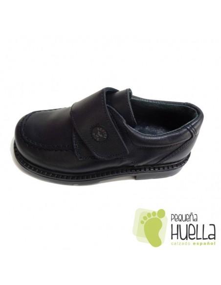 Zapatos escolares azul marino con velcro