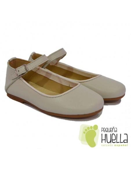 Zapatos Merceditas para Niñas en Piel porcelana blanco roto con Pulsera y Hebilla Moda Shoes en Las Rozas