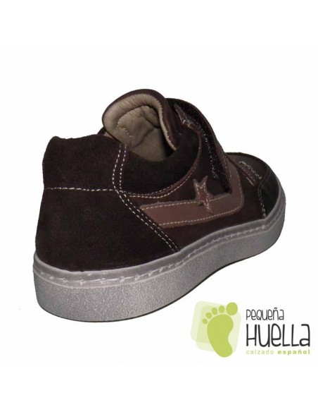 ZAPATILLAS CHICO VELCRO MARRONES YOWAS